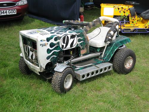 Custom Racing Tractors : Aftermarket muffler on riding lawnmower car audio