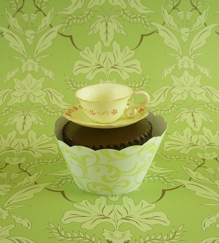 Yellow teacup cupcake