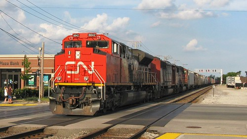 Westbound Canadian National heavy freight train. Elmwood Park Illinois. June 2008. by Eddie from Chicago