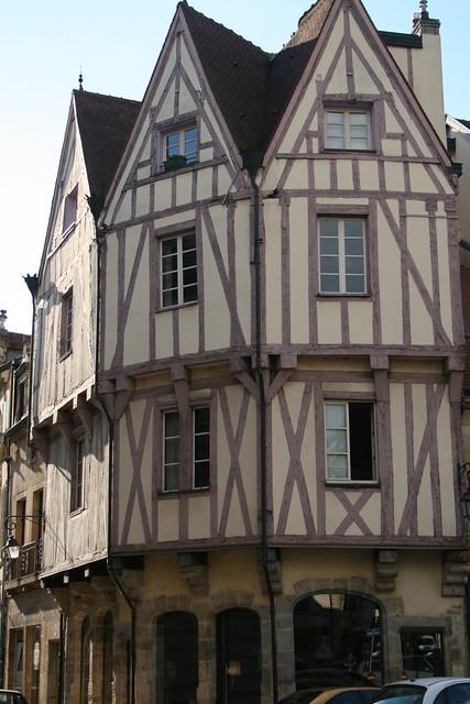 la maison de dijon aux trois pignons 5649 maison typique flickr photo sharing. Black Bedroom Furniture Sets. Home Design Ideas