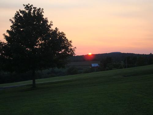 sunset sky ny newyork color tree dusk mountians aplusphoto colourartaward howecarverns