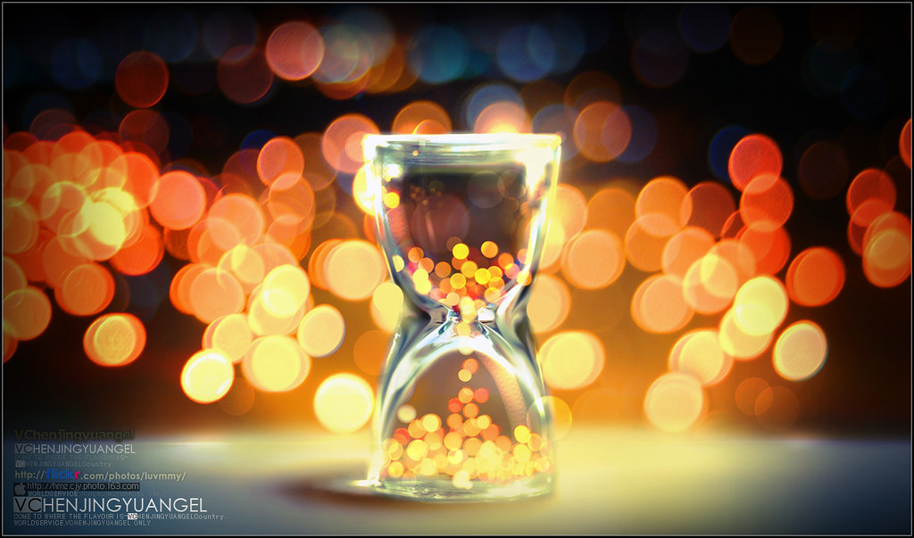 Bokeh in sandglass-Seize the moment