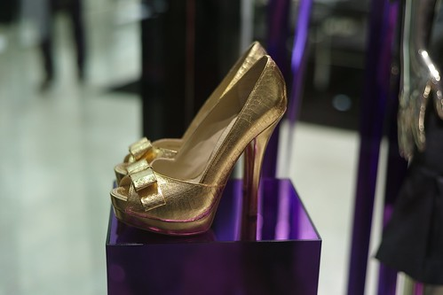 Gold shoes L1000132