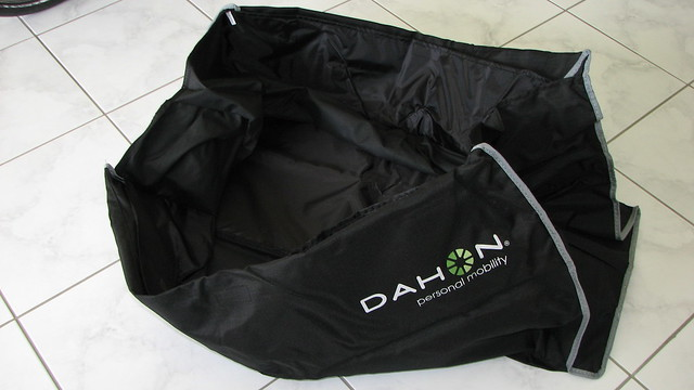 Dahon Bag El Bolso http://www.flickr.com/photos/wagnergumz/2592776829/