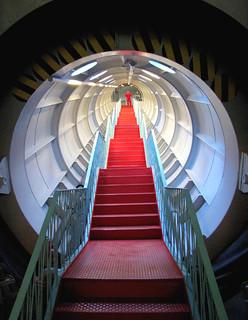 Inside the Atomium 2