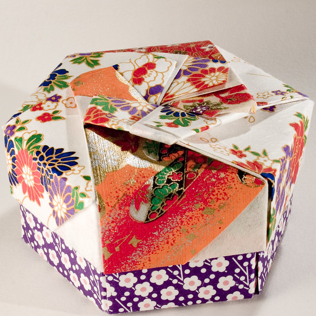 Small Decorative Gift Boxes With Lids: Decorative Hexagonal Origami Gift Box With Lid: # 09