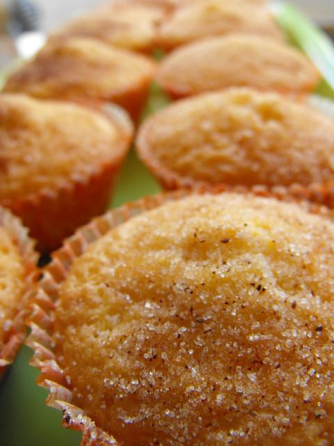 Queques de limão com açúcar e canela