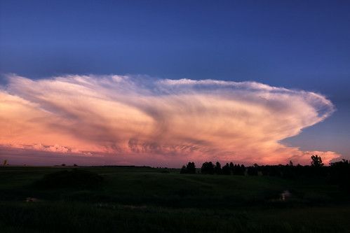 sunset sky storm clouds canon thunderstorms tokina1224f4 40d northdakotathunderstorms garyandersonphotography minotndphotographer minotphotographers northdakotaphotographer northdakotanaturephotographer garyandersonphotograpy minotphotographer minotnorthdakotaphotographer