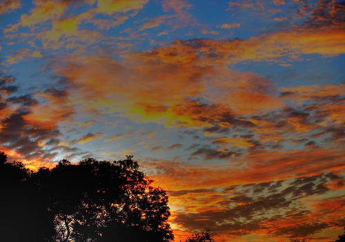 africa sky sun sol public clouds sunrise landscape southafrica geotagged dawn soleil gate nuvole alba gates © himmel olympus ciel cielo afrika sole nuages sonne zuiko hdr highdynamicrange paesaggio rsa allrightsreserved krugernationalpark krugerpark kruger 2007 limpopo afrique cancelli sudafrica áfrica paulkruger zd tancredi ©allrightsreserved krugernp 1442mm december2007 phalaborwa 26december2007 parcokruger e410 olympuse410 platinumheartaward pc261229 geo:lat=23855894 geo:lon=31202459 georeferenziata