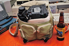 National Geogaphic Earth Explorer Midi Shoulder Bag with D300+MB-D10 Grip and Pro-lenses - Packed