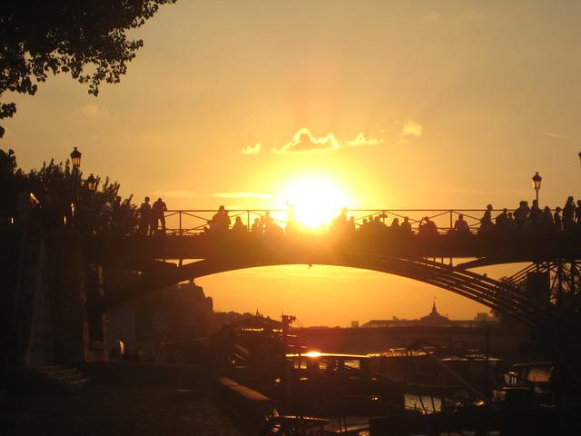 Coucher de soleil sur le pont des arts paris flickr photo sharing - Lever et coucher du soleil paris ...