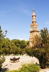 Paseo por la Plaza de España (Sevilla)