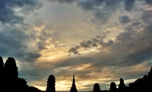 sunset thailand ancient ruins ayuthaya 日落 ayutthaya 寺庙 泰國 太阳 泰国 历史 寺廟 watmahathat ราชอาณาจักรไทย アユタヤ พระนครศรีอยุธยา 大城府 사원 타이 古庙 タイ王国 瑪哈泰寺 古址 阿育他雅