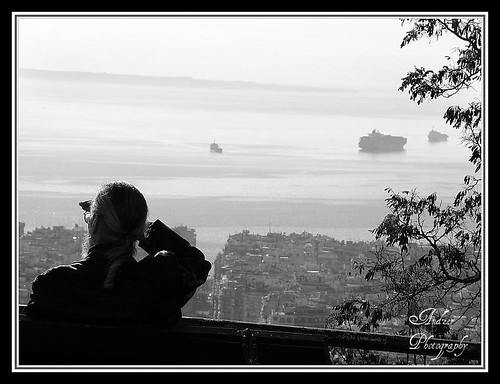 bear old city sea people bw man building tree glass town ship hand watching andreas greece macedonia captain thessaloniki decisive salonica ελλάδα tsinari zervas θεσσαλονίκη andzer ζέρβασ ανδρέασ imagescollectors