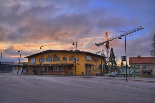 morning sky building architecture clouds sunrise finland geotagged crane hdr busstation mäntsälä linjaautoasema tonemapped tonemap 5exp