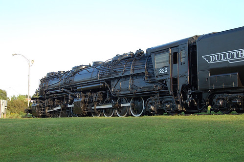 railroad minnesota display steam locomotive stlouiscounty us2 baldwinlocomotiveworks duluthmissabeironrangery 2884wheelarrangement
