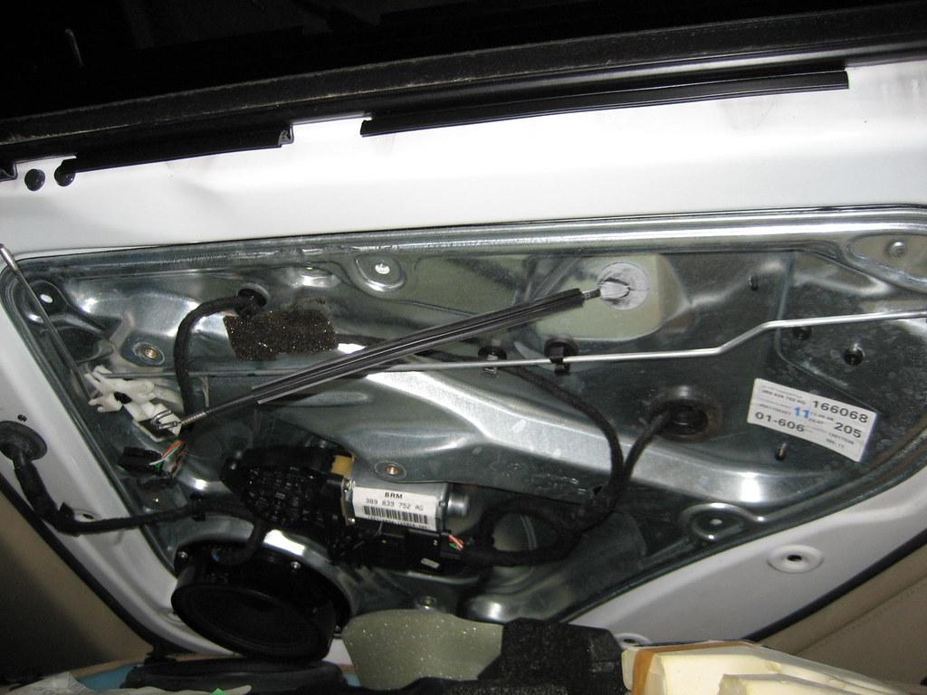 Need help rears door won 39 t open from inside outside for 1999 vw passat window regulator clips