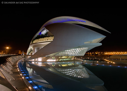 The Valencia's Opera House wearing its best clothes