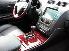 automotive exterior(0.0), lexus rx hybrid(0.0), automobile(1.0), vehicle(1.0), lexus(1.0), land vehicle(1.0),