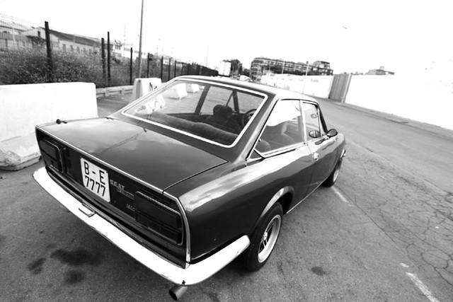 Línea(Seat 124 Sport Coupe)