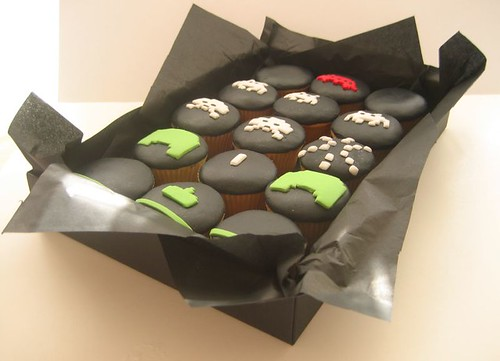 SPACE INVADERS cupcakes boxed up