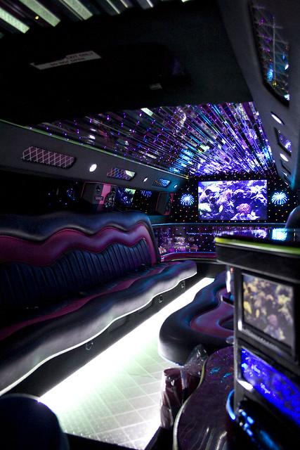 2980407439 c8156376b2 z jpgPink Hummer Limo Inside