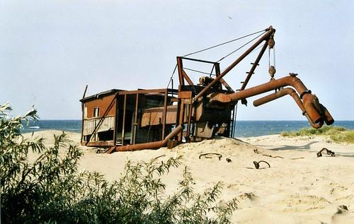 Derelict amber mining equipment, Покровское,Янтарный.Yantarny