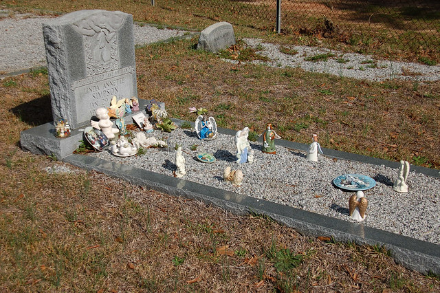 2384394092 45b4742fef for Grave decorations ideas