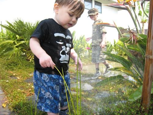 sprinklers, water play, baby, babies, toddler IMG_3695