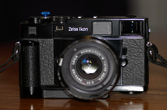 Zeiss Ikon (M-mount) + Camera Leather