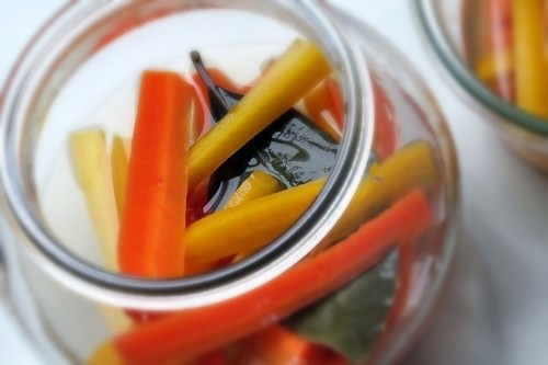 weck jar full of carrots
