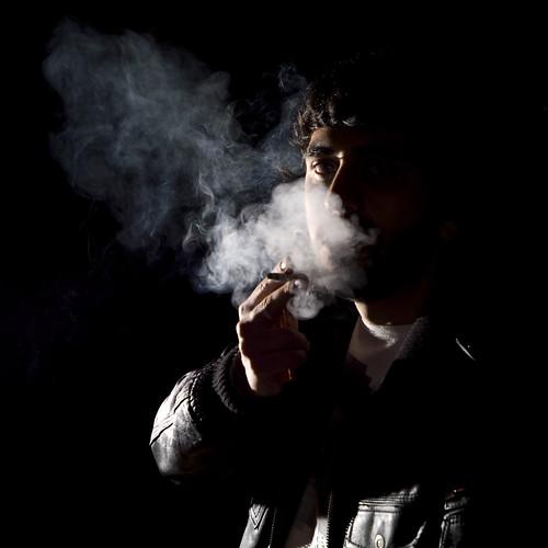 david 50mm smoke flash smoking explore getty humo rober gettyimages cornejo onblack davic fumando views400 hvl56am roberray davidcornejo albumextrafilm