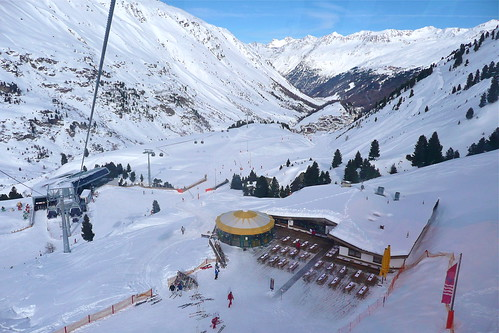 Obergurgl in Austria is a peaceful, luxurious skiing resort that never makes you queue or wait!