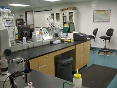 operating theater(0.0), office(0.0), building(1.0), room(1.0), laboratory(1.0),