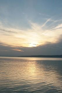 Immagine di spiaggia. sunrise hungary balaton balatonfenyves