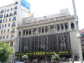 Palacio de la Música 의 이미지. madrid street españa architecture calle spain arquitectura cam cine granvia streetcam palaciodelamusica