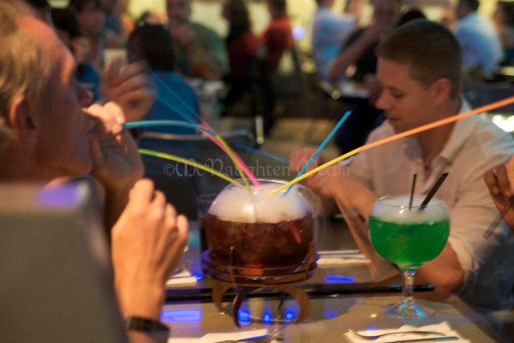 Quark's Bar & Restaurant - Deep Space Nine - Promenade - Star Trek The Experiance - Las Vegas Hilton - Warp Core Breach & The Borgsphere