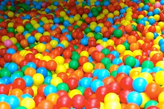 play(0.0), food(0.0), yellow(1.0), ball pit(1.0), toy(1.0),