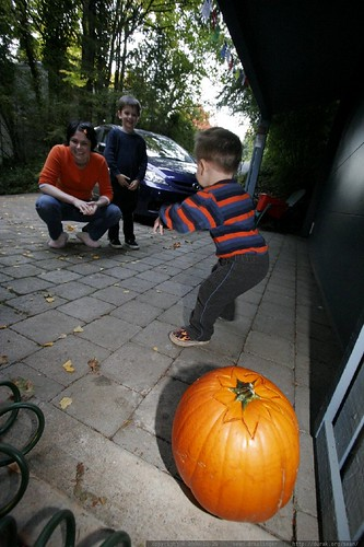 lighting the jack o lantern in our driveway    MG 1754