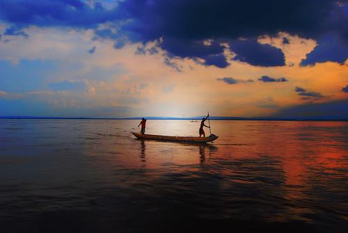 africa river canoe congo dugout drc kinshasa dugoutcanoe congoriver