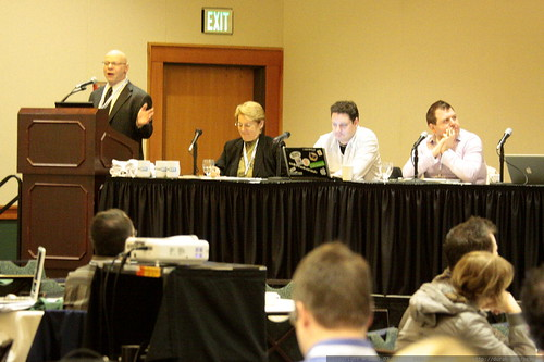 Marty Weintraub & Panel   Online Reputation Management   sempdx searchfest 2009    MG 9346