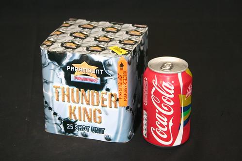 EpicFireworks - Thunder King 25 Shot Noisy Barrage