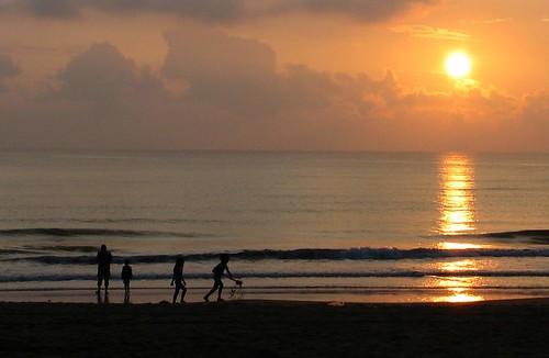 sunset beach sunrise geotagged cherating salahu geo:lat=4103497 geo:lon=103384856
