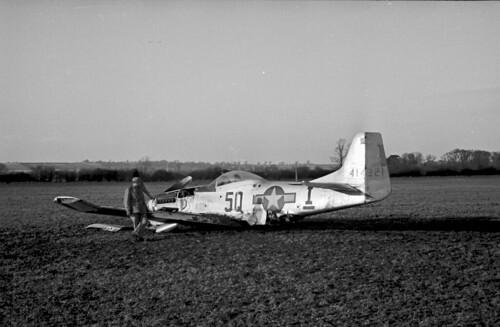 P 51 Crash f6 3 100 1530hrs GMT 04