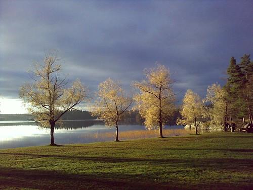 cameraphone travel lake sunrise finland celltagged geotagged zonetag nastola pajulahti geo:country=finland zip15560 geo:city=nastola geo:zip=15560 geo:lat=6096894 geo:lon=25942985 cell:cgi=2440523910733466