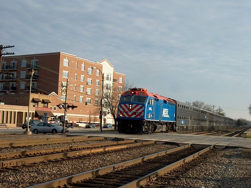 Westbound Metra commuter local stopping at the Brookfield Metra commuter rail station. Brookfield Illinois. December 2006. by Eddie from Chicago