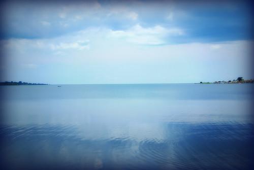 blue water horizon uganda lakevictoria entebbe
