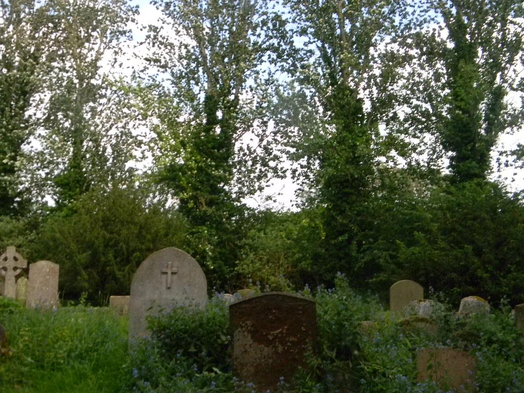 Little Wittenham Churchyard Appleford Circular