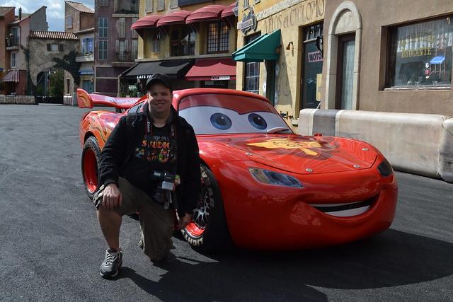 Disney Cars Stunt Racers Dinoco Stunt Show Playset