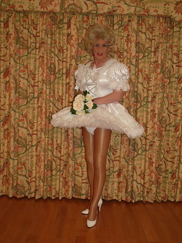 Sissy bride 23,000 views